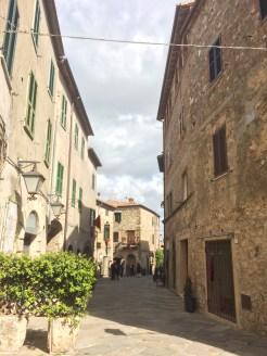 Corso Italia a Montemerano