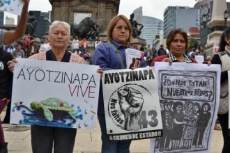 Ayotzinapa 25 S 2015 Mexico City (31) (Small)