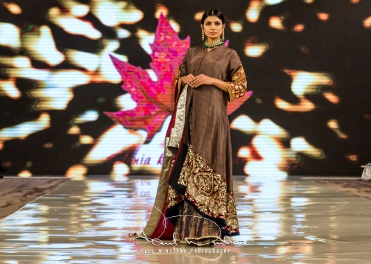 Sonia Mahajan Catwalk Show At Pakistan Fashion Week London 2017 (16)