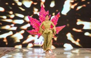 Sonia Mahajan Catwalk Show At Pakistan Fashion Week London 2017 (4)