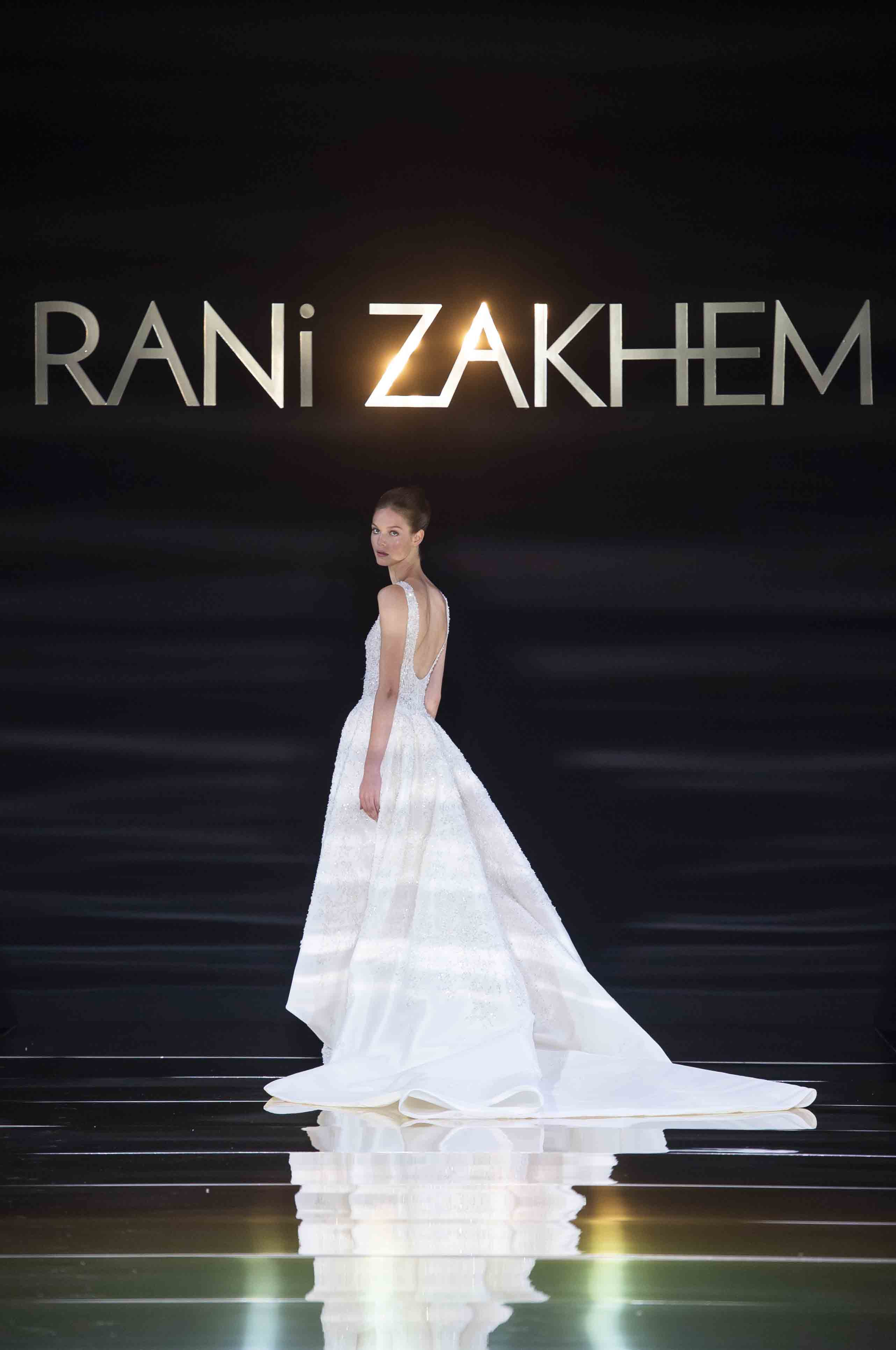 Rani zakhem couture collection automne hiver fall winter 2018 2019 pfw © imaxtree (29)