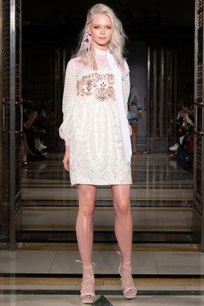 Ashley isham ss19 london fashion week (8)
