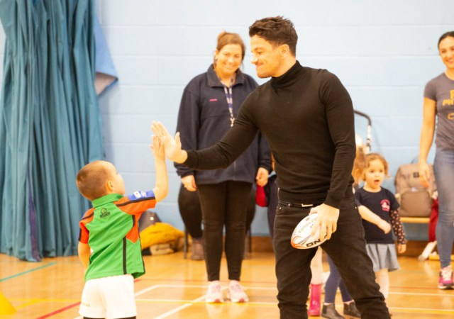 Peter andre visits ruggerbugs