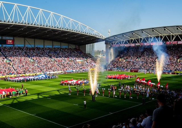 Super league sets new attendance record