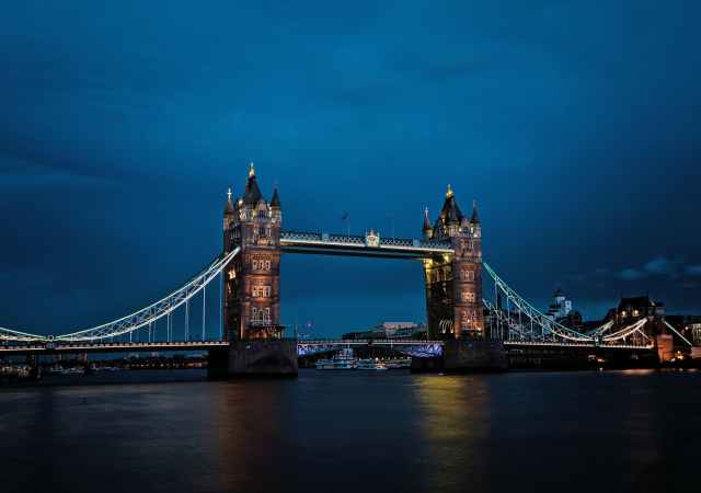 Iconic london, at its best from day to night.