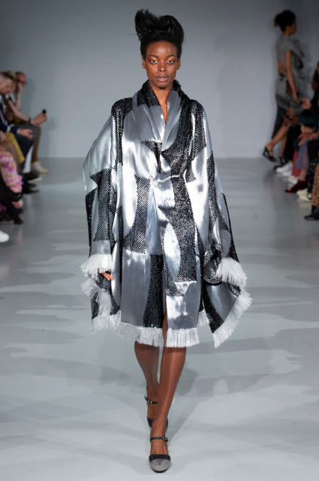 Fashion scout studio adaptive skins ss20 ones to watch catwalk (4)