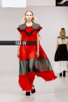 Louis de gama aw20 during london fashion week (3)