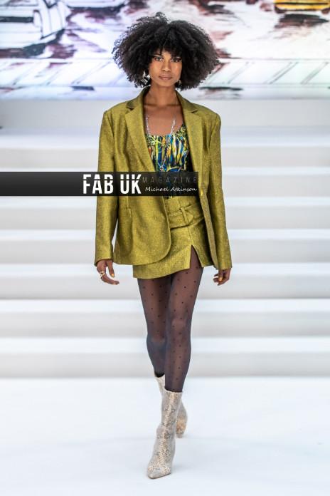 Paul costelloe aw20 show during london fashion week (7)
