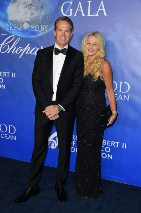 Uma thurman, sharon stone, and more attend 2020 hollywood for the global ocean gala (10)