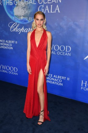 Uma thurman, sharon stone, and more attend 2020 hollywood for the global ocean gala (17)