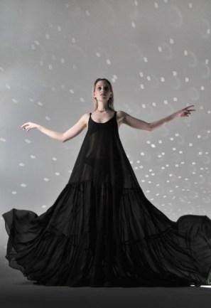 Anna korneenkova aile noire mercedes benz fashion week russia (2)