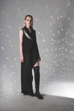 Anna korneenkova aile noire mercedes benz fashion week russia (3)