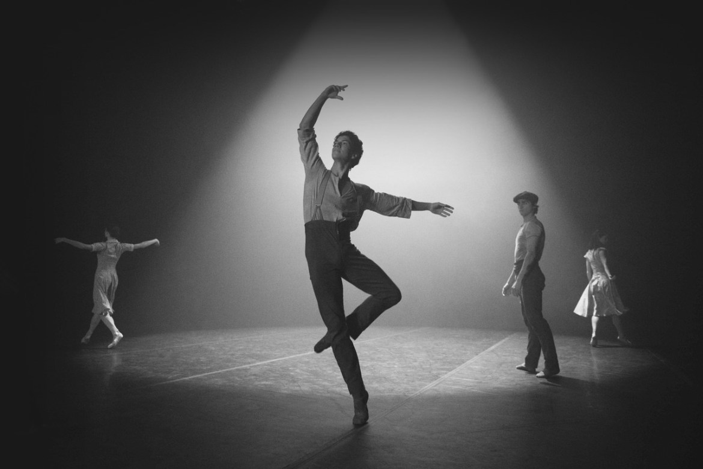 Emma Hawes Isaac Hernandez Francesco Gabriel Frola ve Alison Mcwhinney - Anlamsız İyilikte © English National Ballet