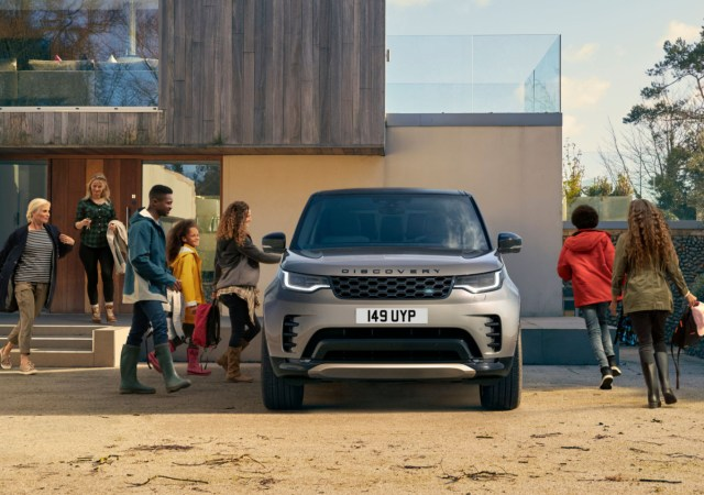 Land rover reveals formula for resilience, through project discovery research project