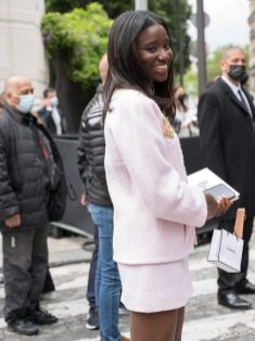 Chanel fall winter 202122 haute couture streetstyle (20)