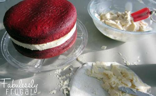 red velvet cheesecake cake assembled