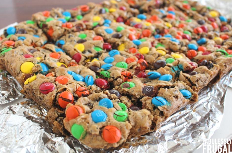 Cut oreo cookie bars