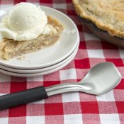 Amazon: Stainless Steel Ice Cream Scoop $9.49 (Reg. $15.25) - FAB Ratings!