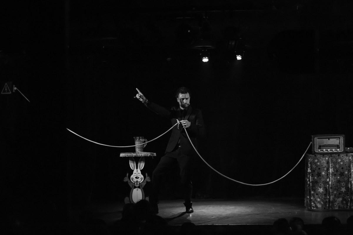 Magicien corde