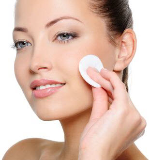 benefits-of-using-a-skin-toner-after-cleansing
