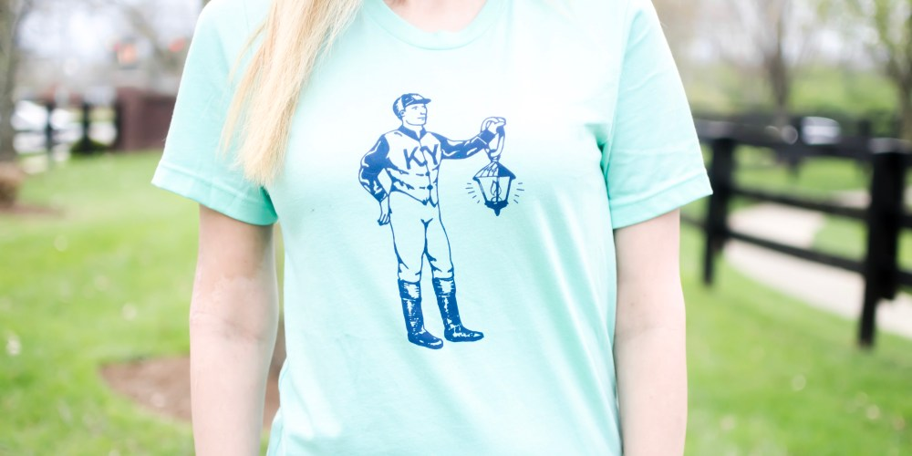 """This week's """"Local Spotlight"""" is none other than My Kentucky Tee. Hearing the name you might think it's just a t-shirt shop, but no, it's not! I mean, they do have shirts available for purchase on their website, but it is so much more than that! My Kentucky Tee is a subscription service where you'll receive a Kentucky themed shirt (aka """"Tee of the Month"""") every month! #sharethelex #lexingtonky #kentucky #shoplocal #travelky #visitlex #statepride #fashion #casual"""