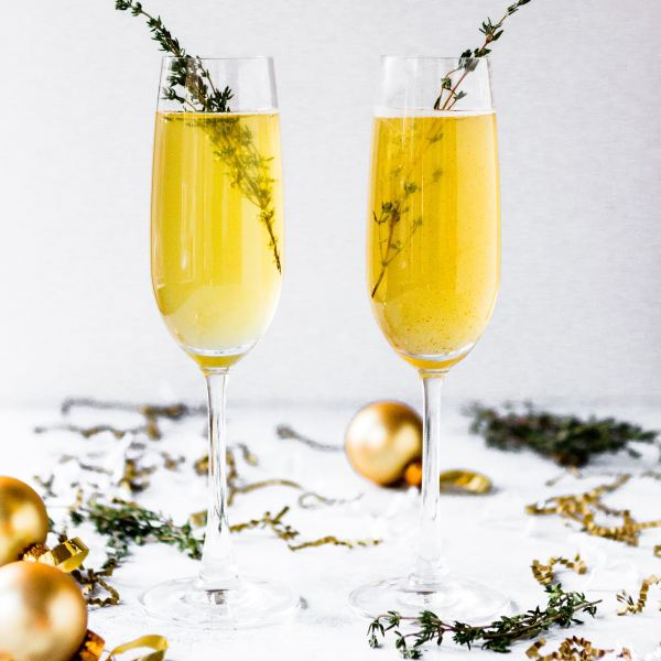 It's almost that time again- New Year's! I know it isn't Christmas yet, but it's best to already think about New Year's Eve, especially if you are going to have a night on the town! #sharethelex #visitlex #lexingtonky #lexingtonkentucky #newyears #newyearseve #party #celebration #travelky #thingstodo #travel #celebrate