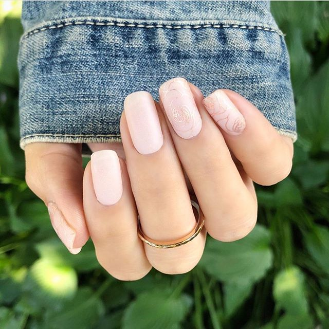 28 stunning wedding nail ideas to match a wedding dress,  bridal nails, wedding nail art designs, pink nails , glam nails , bling nail art desings, neutral nail art designs, neutral wedding nail art designs, wedding nail designs,  elegant wedding nail art designs  #weddingnails #nailart #simpleweddingnails elegant wedding nails
