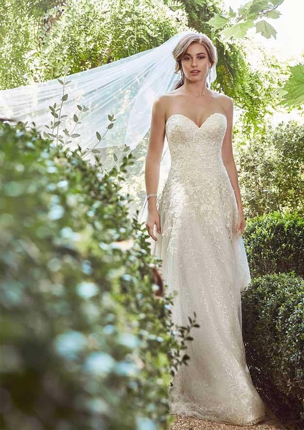 Beautiful wedding dresses 2020 for elegant brides, unique wedding dresses, designer wedding dresses, boho wedding dresses, beach wedding dresses 2020, wedding dresses, berta wedding dresses