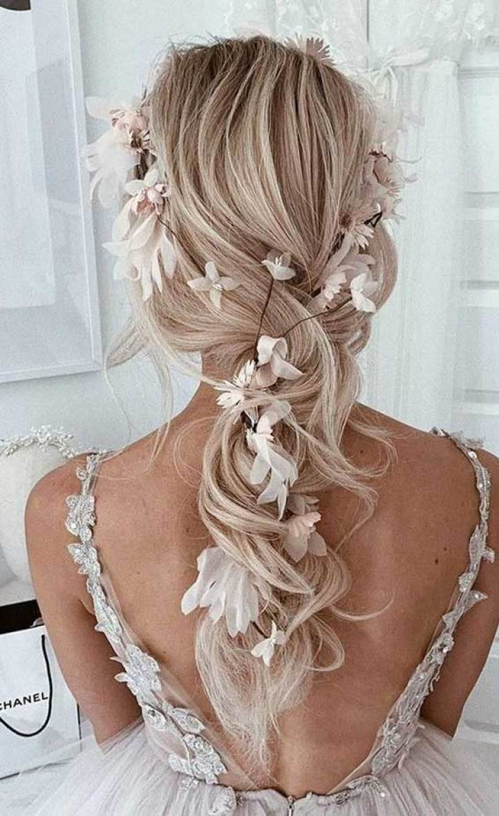 57 Gorgeous wedding hairstyles from updo to ponytails, wedding hairstyles, bridal hairstyles, updo wedding hairstyles, bridal ponytails #weddinghairstyles