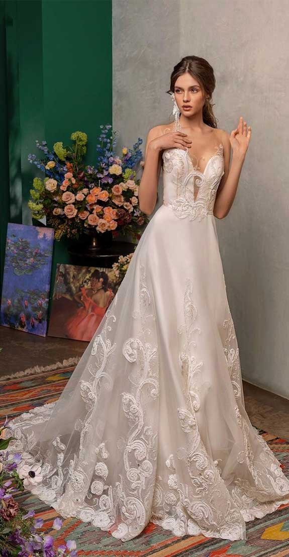 100 the most incredible wedding dresses , sleeveless wedding dress, a line wedding dress, strapless wedding dress