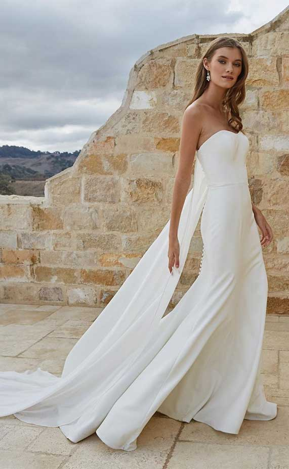 simple wedding dress, long sleeve wedding dress, simple ball gown wedding dress, a line elegant wedding dress #simpleweddingdress