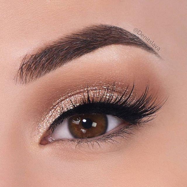 eye makeup looks, best eye makeup looks, neutral eyemakeup looks, natural makeup, evening makeup , eye makeup ideas 2020, gold glitter eye makeup looks, glitter eye makeup