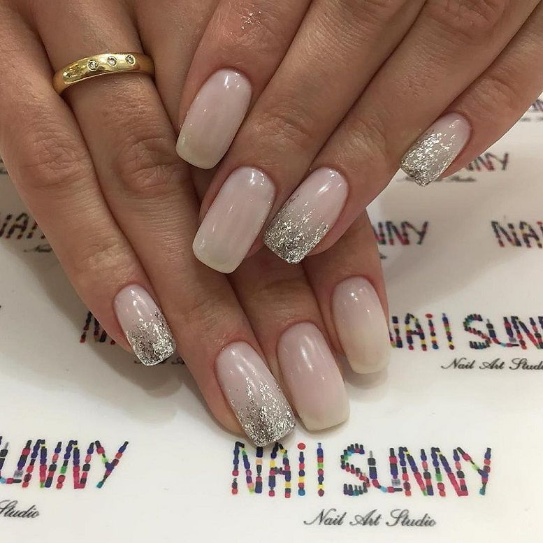 pink nail colors, pink nails with glitter accents, glitter nails, nail art designs, best glitter nails, bridal nails 2020