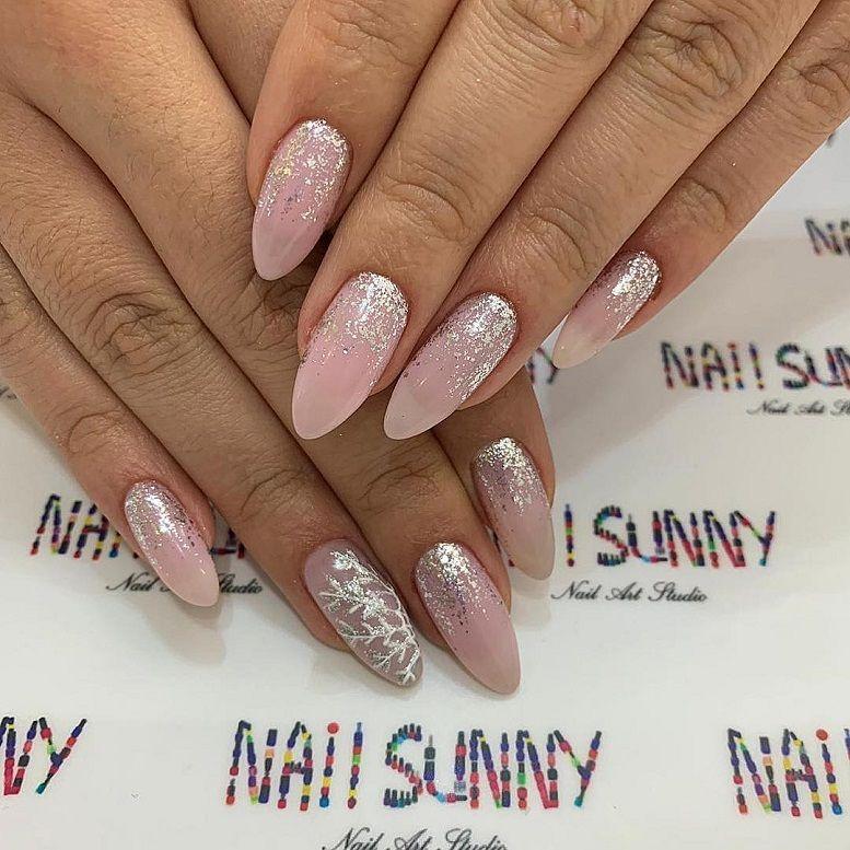 pink nail colors, pink nails with glitter accents, glitter nails, nail art designs, best glitter nails, bridal nails 2020, wedding nails 2020