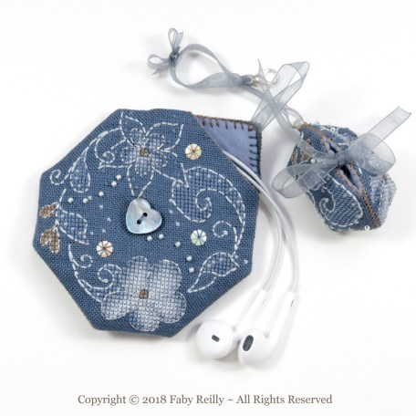 Flora Pouch – Faby Reilly Designs