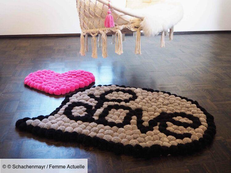 le tapis coeur en pompons femme