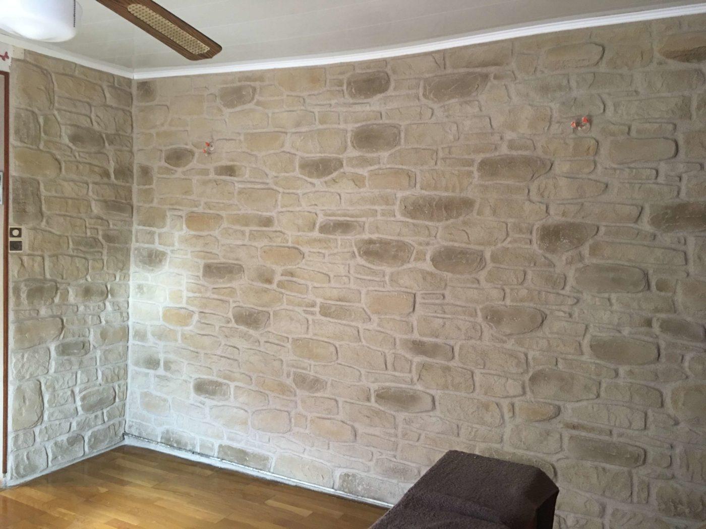 enduire un mur en pierre interieur elegant mur intrieur. Black Bedroom Furniture Sets. Home Design Ideas