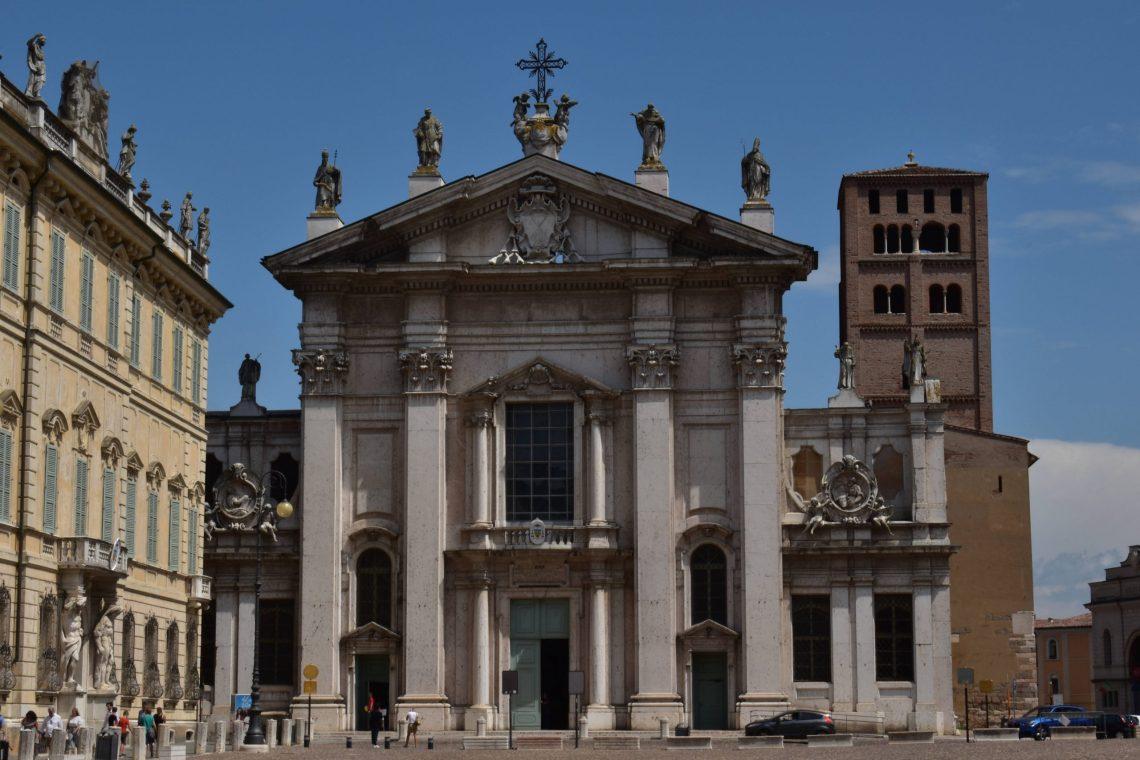 Duomo di Mantova.