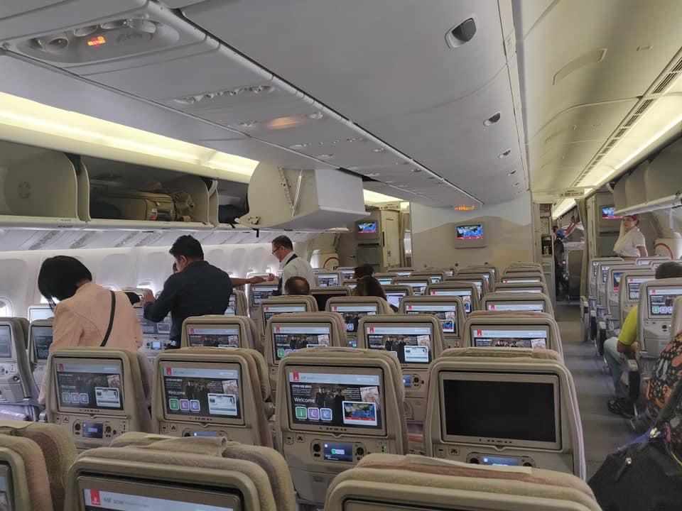 viaggio a yangon, cosa fare in birmania, cosa fare a yangon, mercati di yangon, pagoda di yangon, cosa fare in myanmar, myanmar pericoloso, pagoda myanmar, pagoda yangon , dubai yangon, volare con emirates, aereo emirates, volo turbolento