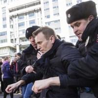Протести и хапшења широм Русије - Траже оставку Медведева, ухапшен опозициони лидер Наваљни