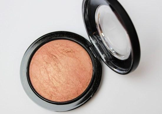 MAC Mineralize Skinfinish in Cheeky Bronze