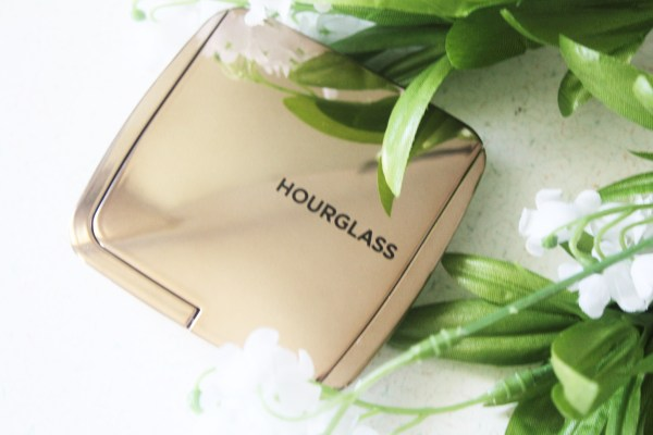Hourglass Ambient Lighting Bronzer-Hourglass Ambient Bronzer-Luminous Bronze Light-review-swatches-hourglass_luminousbronzelight06