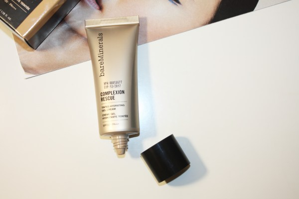 bareMinerals-Complexion-Rescue-Tinted-Hydrating-Gel-Cream-003