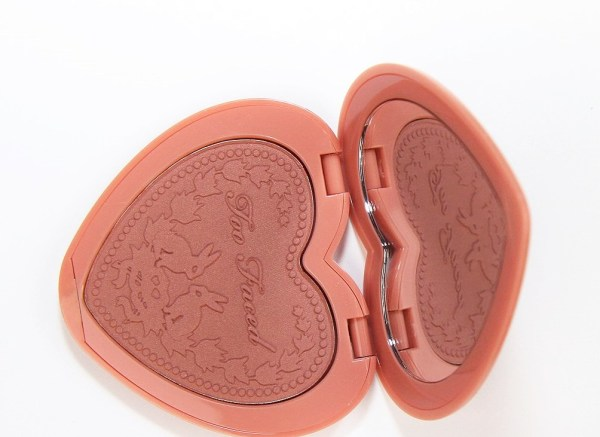 Too-Faced-Love-Flush-blush-baby-love-too-faced-Long-Lasting-16-Hour-Blush-Baby-Love-02