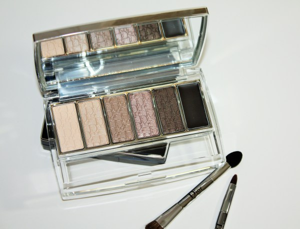 Dior-Eye-Reviver-Illuminating-Neutrals-Eye-Palette-review-swatches-Dior-Eye-Reviver-Eyeshadow-Palette001