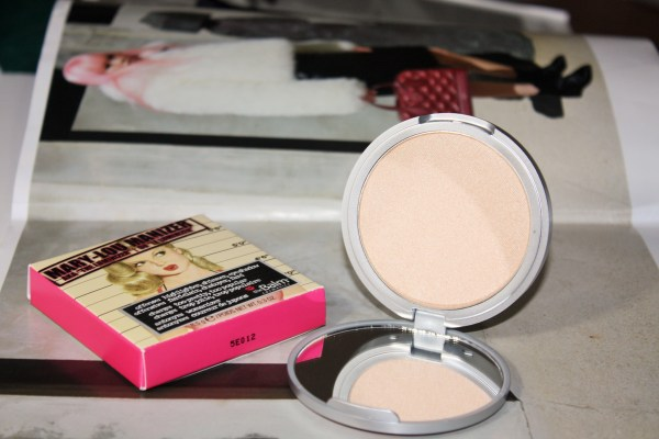 theBalm-Mary-Lou-Manizer-Highlighter-maryloumanizer001