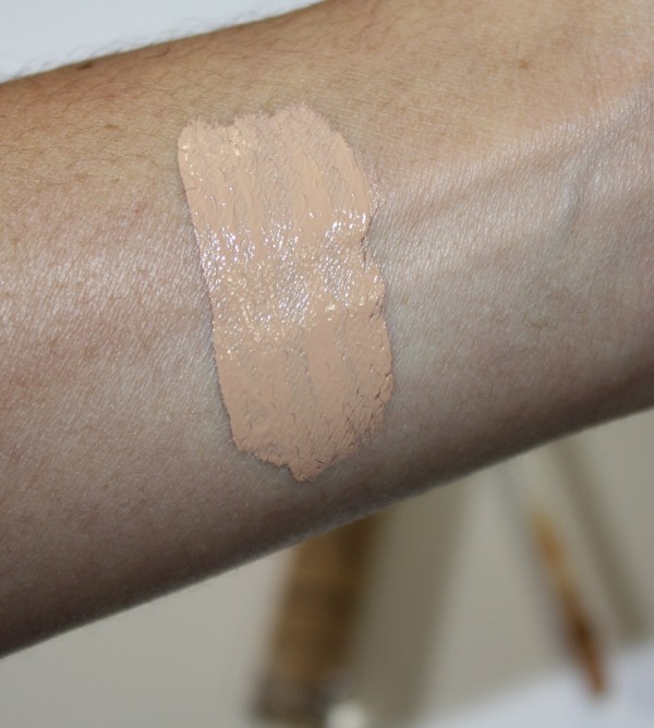 UrbanDecay-Naked-Skin-Concealer-Review-UD-Naked-Skin-Weightless-Complete-Coverage-Concealer-004