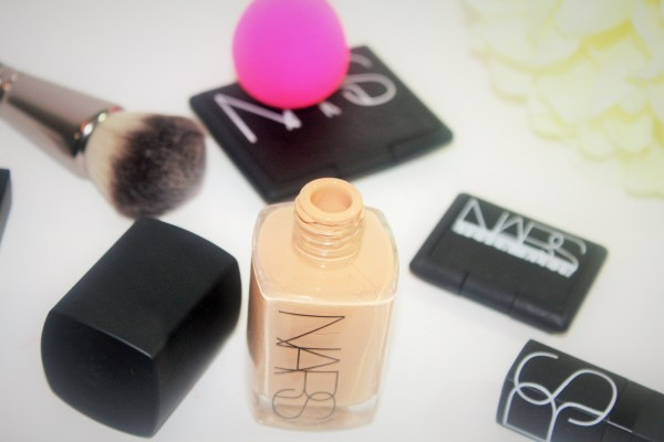 NARS Sheer Glow Foundation-review-swatches-003