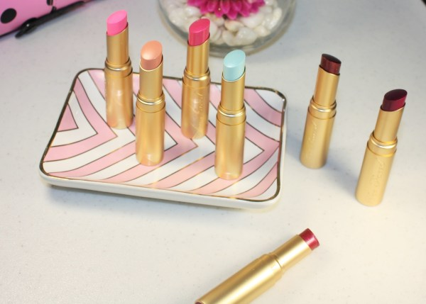 Too Faced La Crème Color Drenched Lipstick Review005