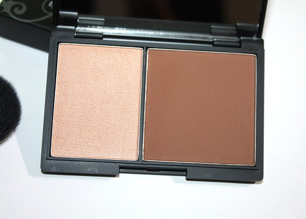 Niki Garret Contour and Highlighter Duo Review-004